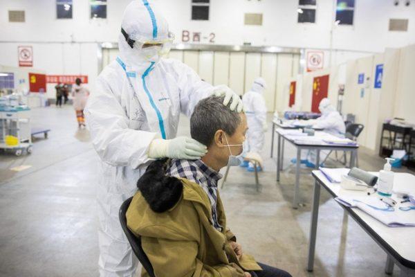 Virus corona với người cao tuổi